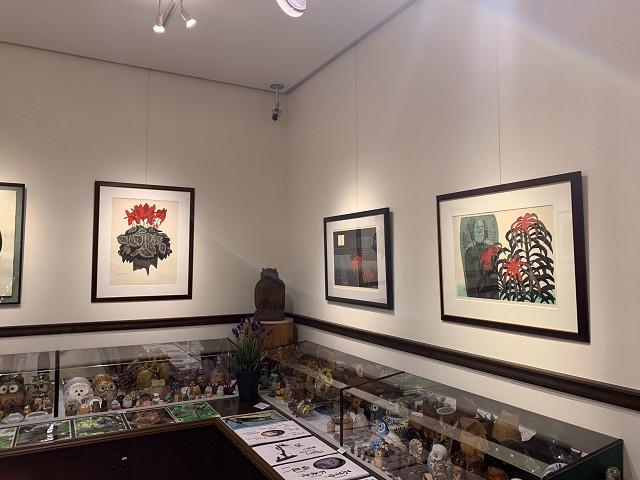 ギャラリー梟の特別企画展・版画会の巨匠斎藤清「花の饗演」展開催中です